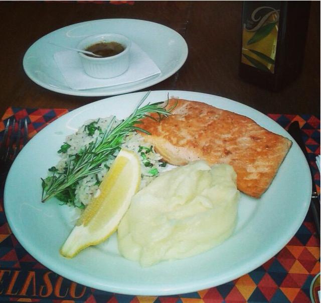 Almoço no Bar Velasco tem menu á la carte e pratos executivos