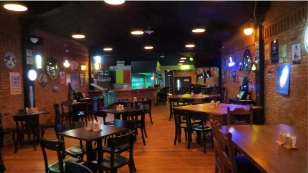 Filial de bar belga leva paulistanos ao delírio