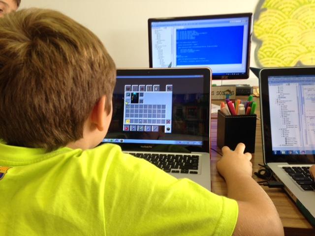 Mini Maratona de Minecraft e de Games está na programação de cursos da DragonByte no próximo dia 25
